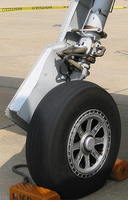 24007-p-47d-thunderbolt-landing-gear-2.jpg