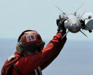 400px-AIM-9X-F18E_080414-N-7981E-106