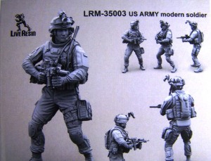 LRM-35003 US Army Modern Soldier box front